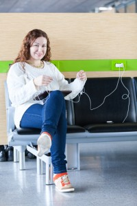 Airport charging a device_136570553