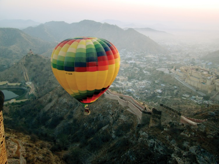 Ballooning over Jaipur, India