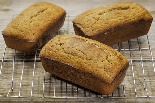 Coconut bread recipe_169637066