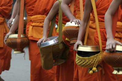 Laos-Luang-Prabang-Monks-alms-giving-53975764