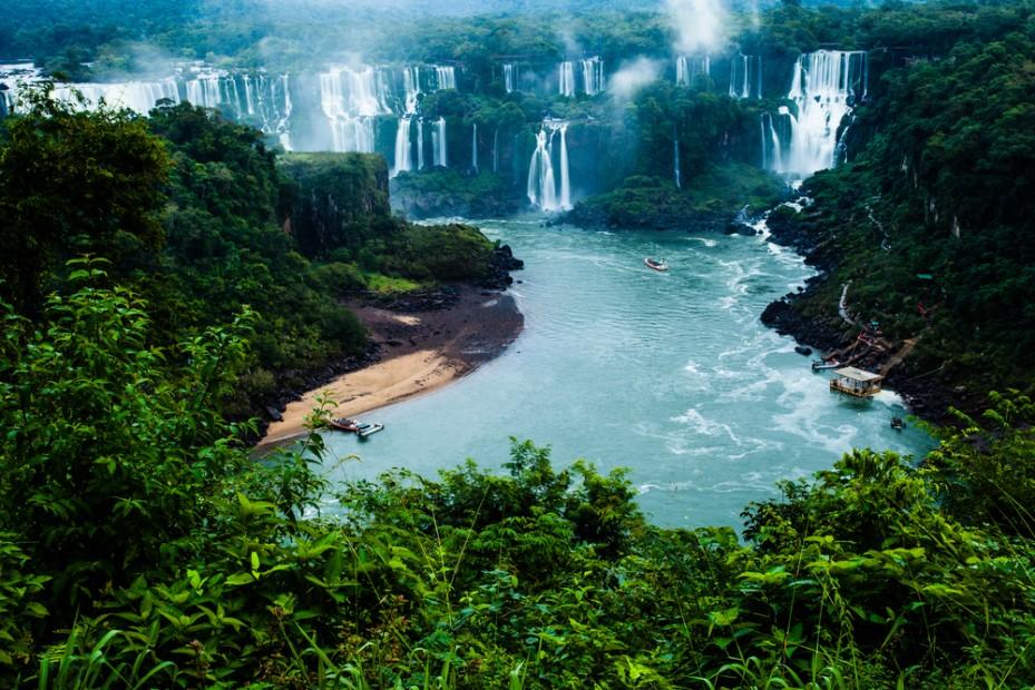 iguassu-falls-iguazu-brazil-argentina-142656631
