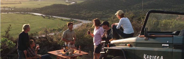 Kariega Private Game Reserve - sundowners on game drive