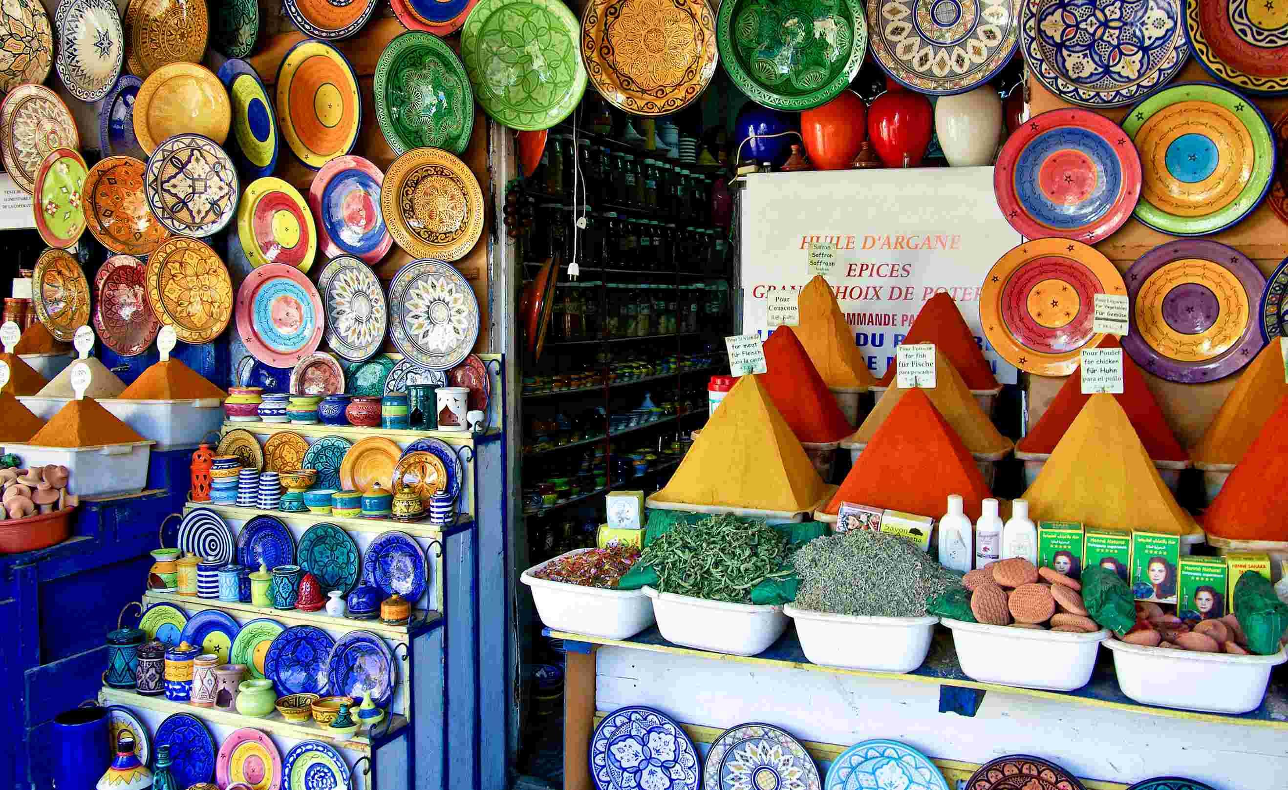 Morocco shopping spices