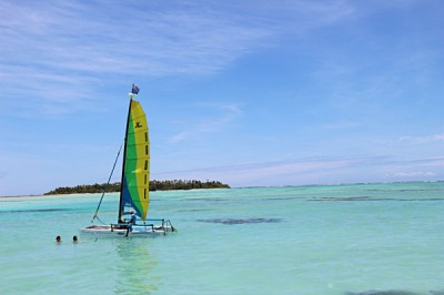 Active Cook Islands - Experience a Hobbie Cat