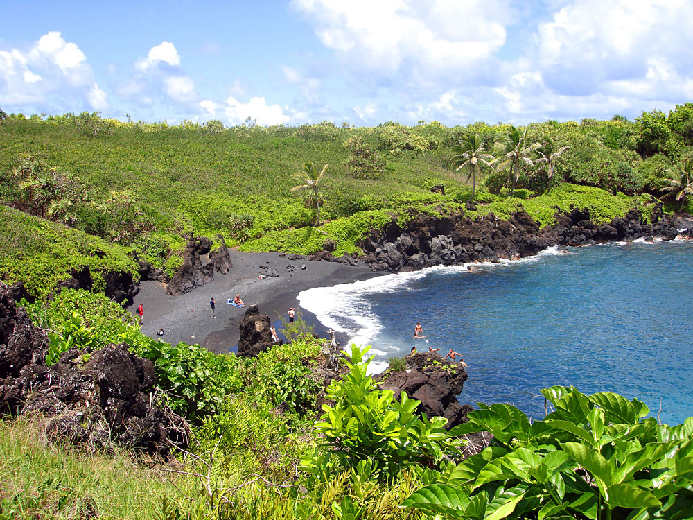 Honomanu Black Sand Beach, Maui, Hawaii