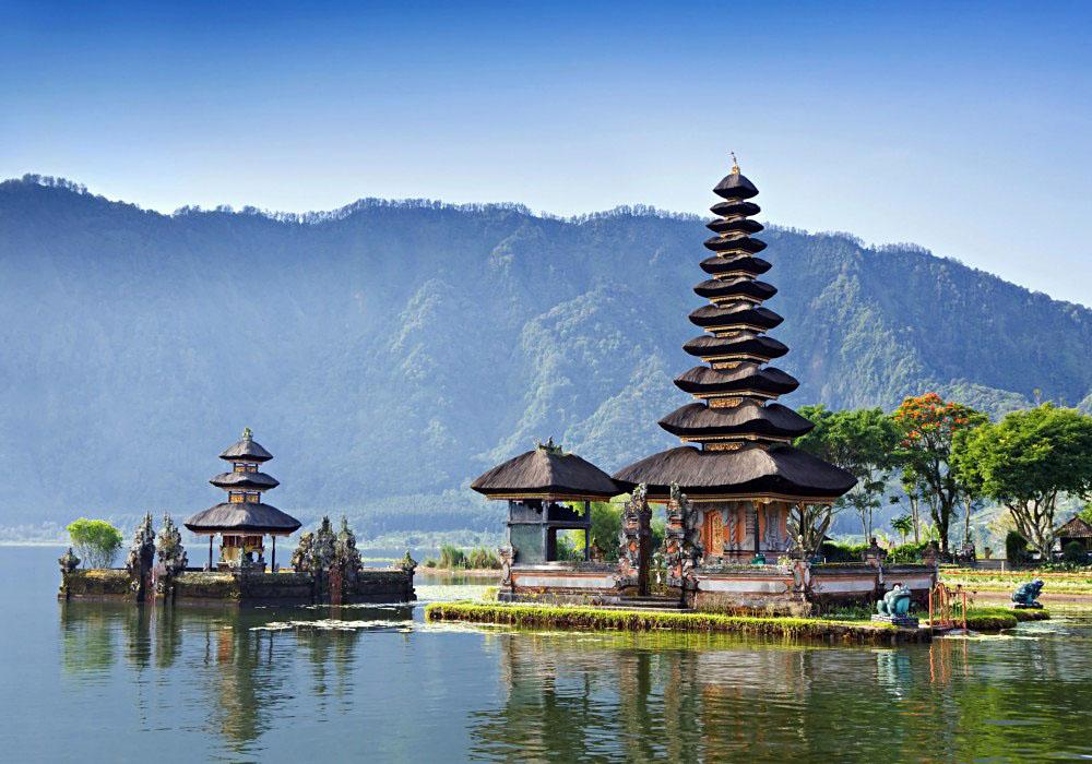 Ulun Danu Temple Beratan Lake, Bali Indonesia