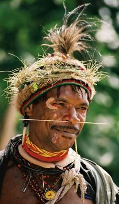 Huli man in Tari