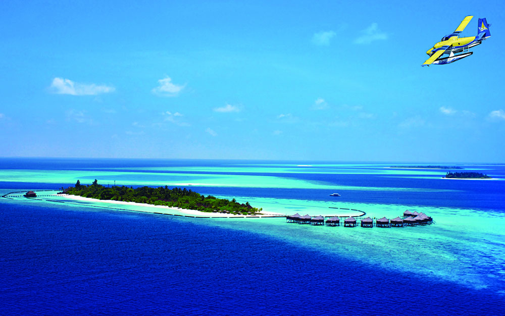 Komandoo Resort and Plane - Aerial View, Maldives