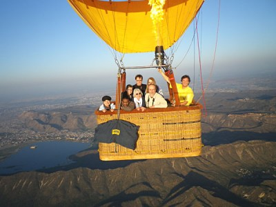 A Sky Waltz Balloon Safari in flight