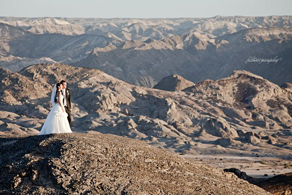 Moonlandscape wedding | Photo courtesy of Susan Nel Photography