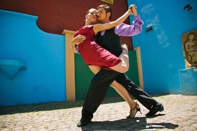 Tango dancers in La Boca, Buenos Aires, Argentina