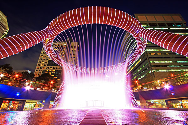 Fountain Show at Fountain of Wealth, Suntec Tower, Singapore
