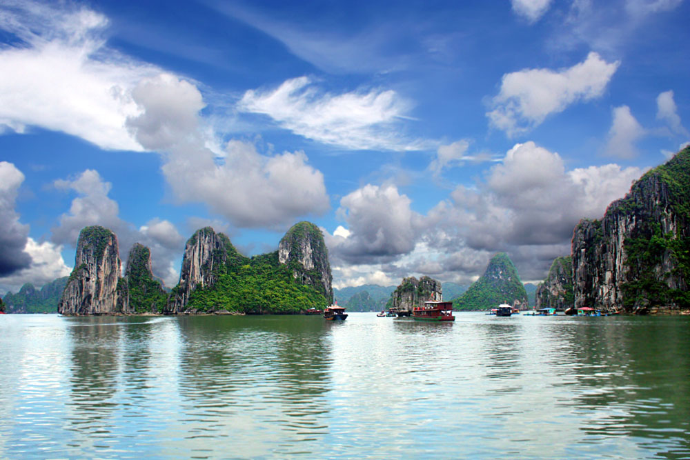 The Best Ways To Explore Halong Bay In Vietnam Goway