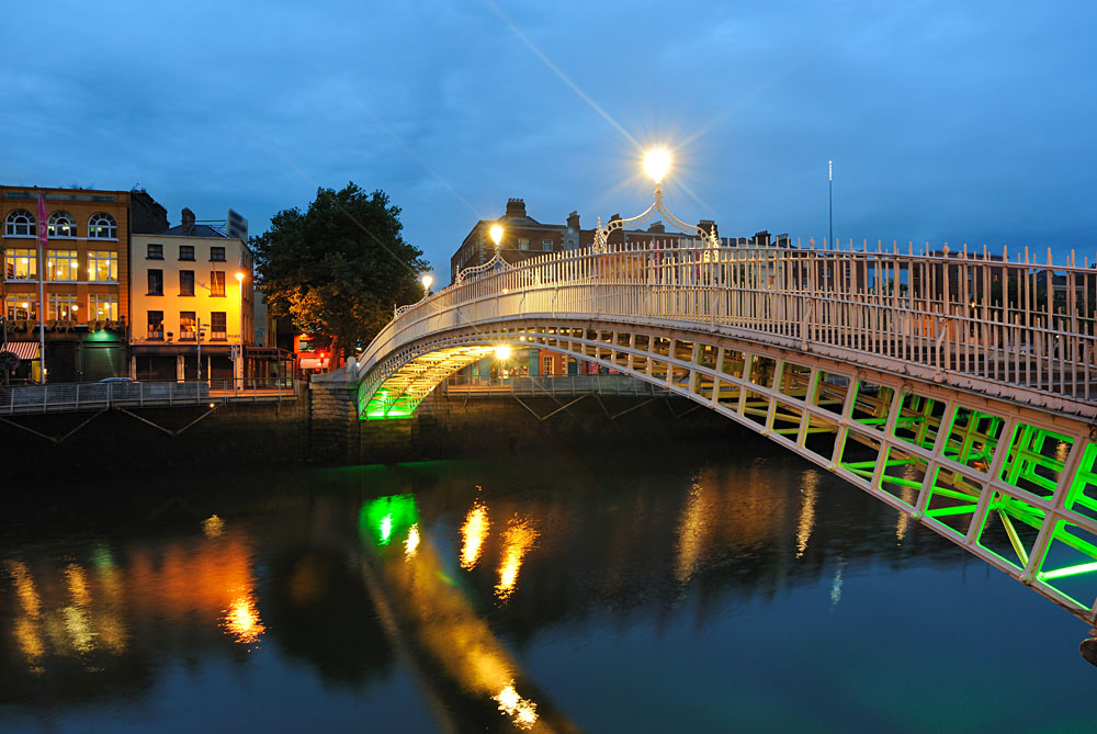 Halfpenny (Ha'penny) Bridge over the River Liffey in Dublin, Ireland