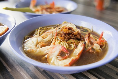 Hokkien Prawn Mee Noodles in Soup at Hawker Stall, Singapore
