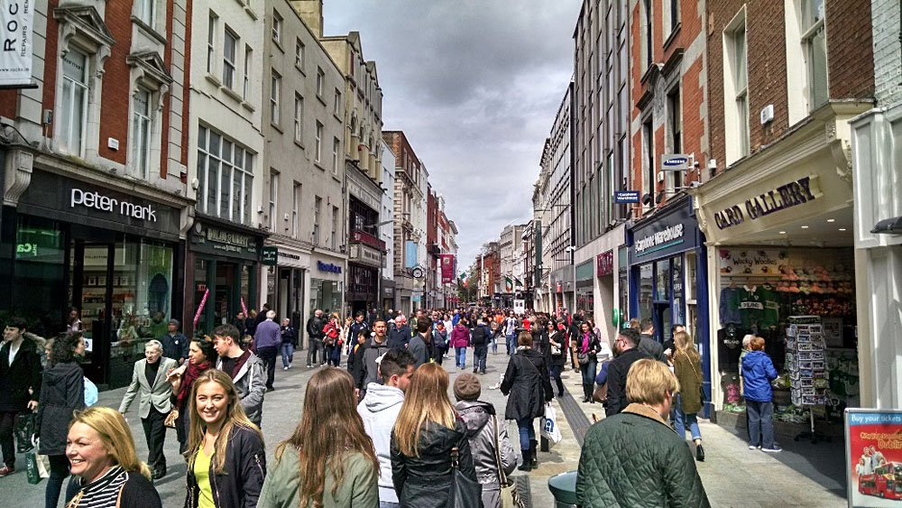 Anthony Saba - Busy Shoppers on Grafton Street, Dublin, Ireland