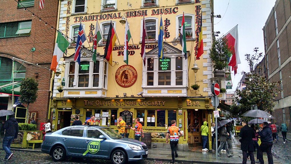 Anthony Saba - The Popular Oliver St.John Gogarty's Pub in Temple Bar, Dublin, Ireland