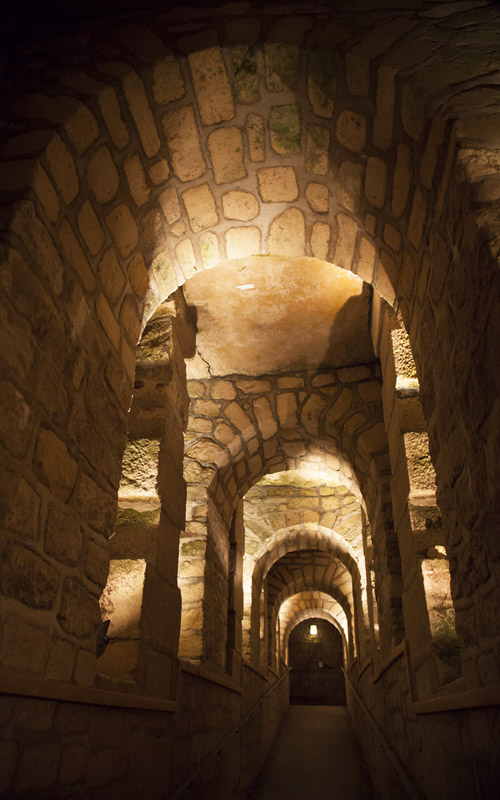 Catacombs of Paris buried underground for more than 6 million people - paris sightseeing