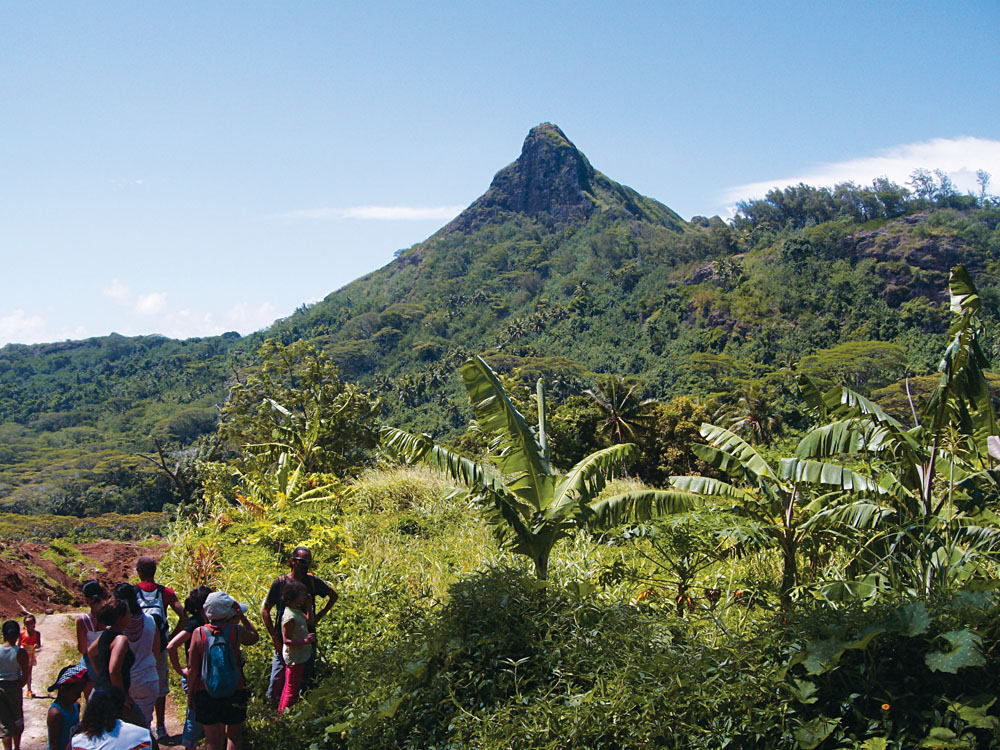 Hiking in the Valley of Kings, Bora Bora, Tahiti