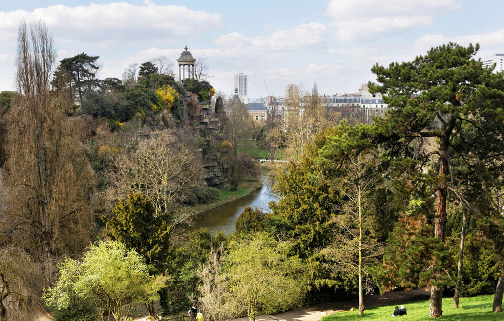 Parc des Buttes Chaumont - Paris, France - Paris vacation