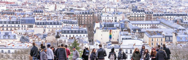 Travelling with a group in Paris - Montmartre Hill