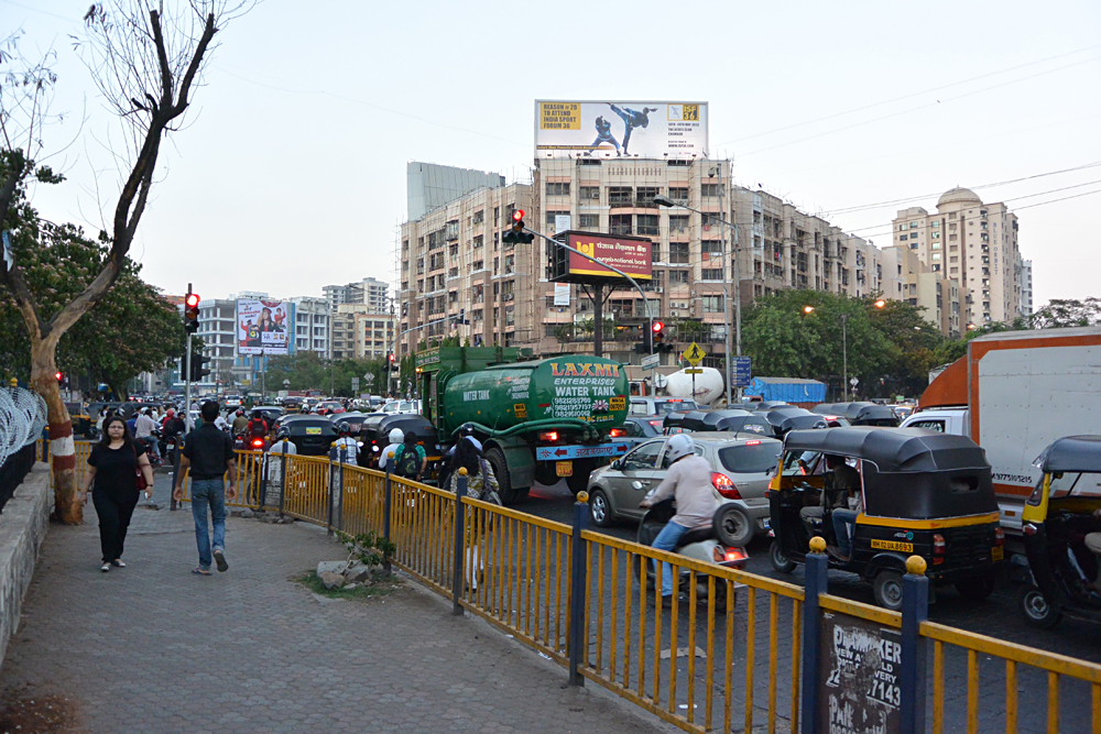 Tim Haig - Crazy Mumbai Traffic, India