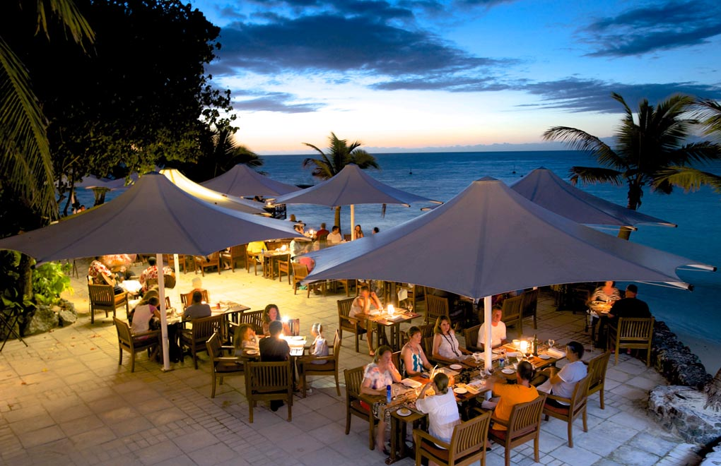 Castaway Island dining area and Pacific Ocean