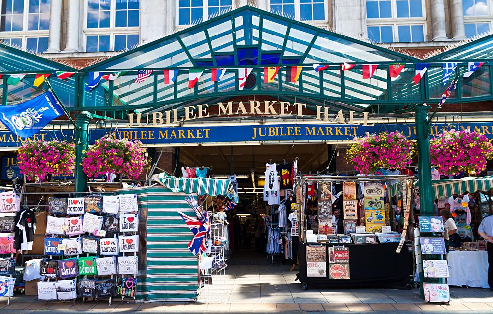 Souvenirs Market in Covent Garden, London, England, UK