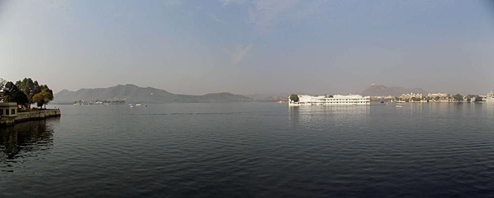 Anthony Saba - Floating Palace in Udaipur, India