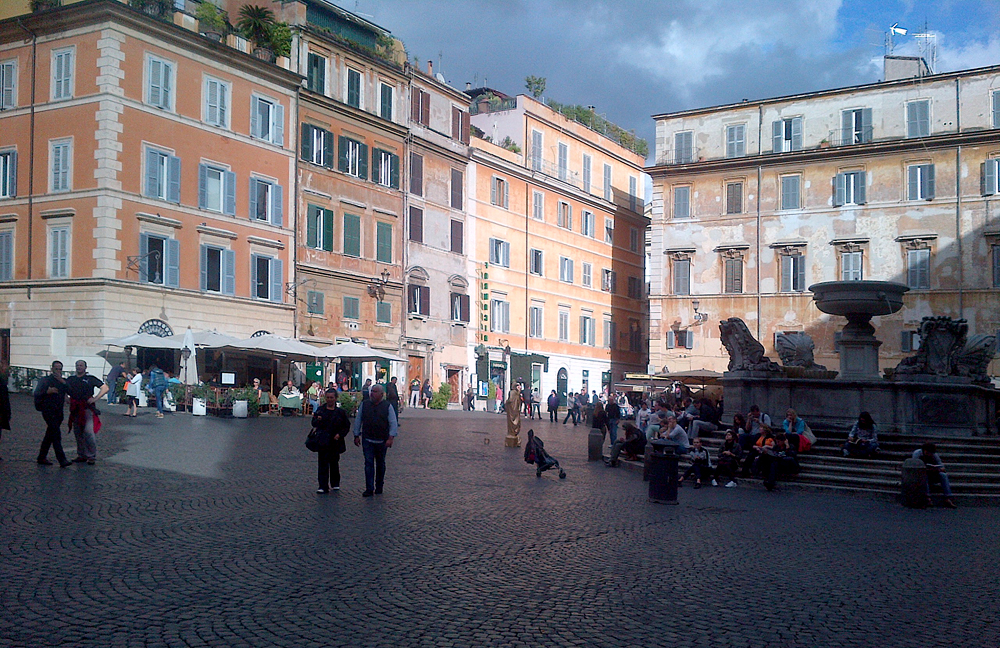 Bob - Piazza di Santa Maria in Trastevere, Rome, Italy