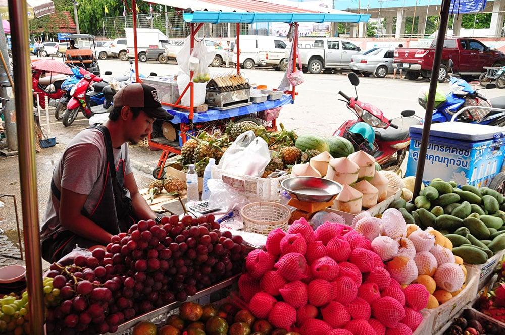 Carolyn Weppler - Fruit and Vegetable Market in Chiang Rai, Thailand