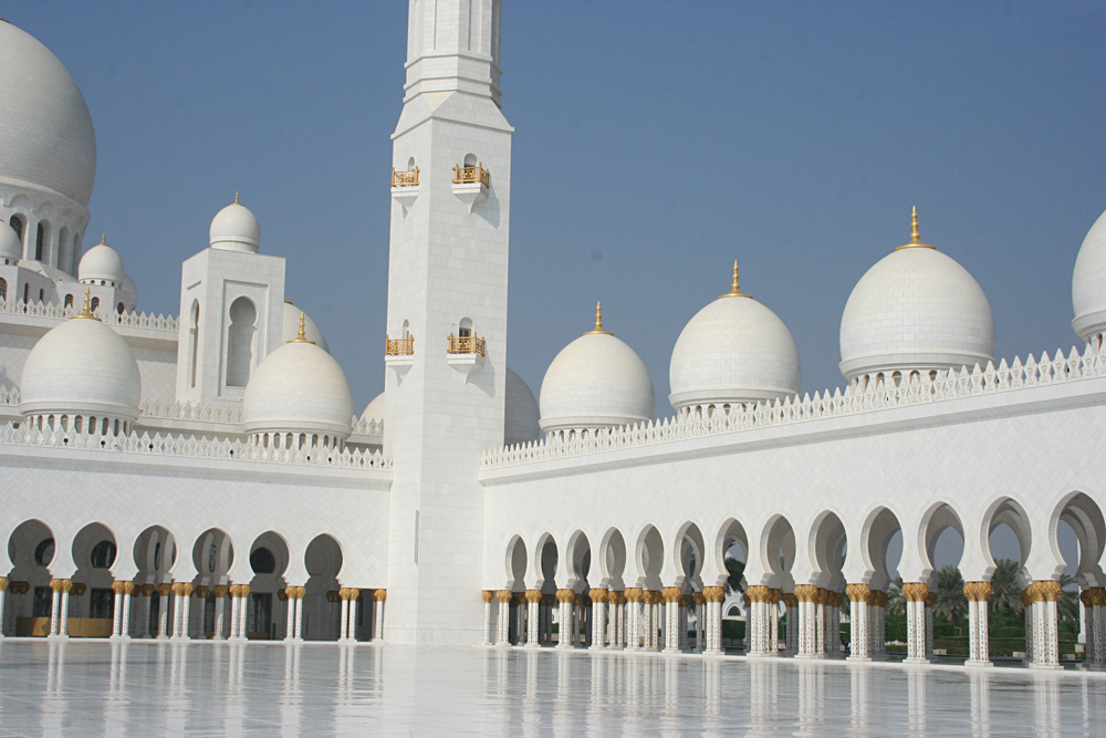 Kirsty Perring - Inside Sheikh Zayed Grand Mosque, Abu Dhabi, United Arab Emirates (UAE)