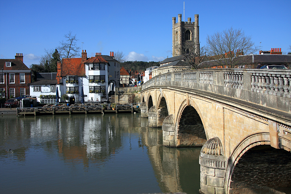 The Bridge Over the River Thames at Henley in Oxfordshire, England, UK