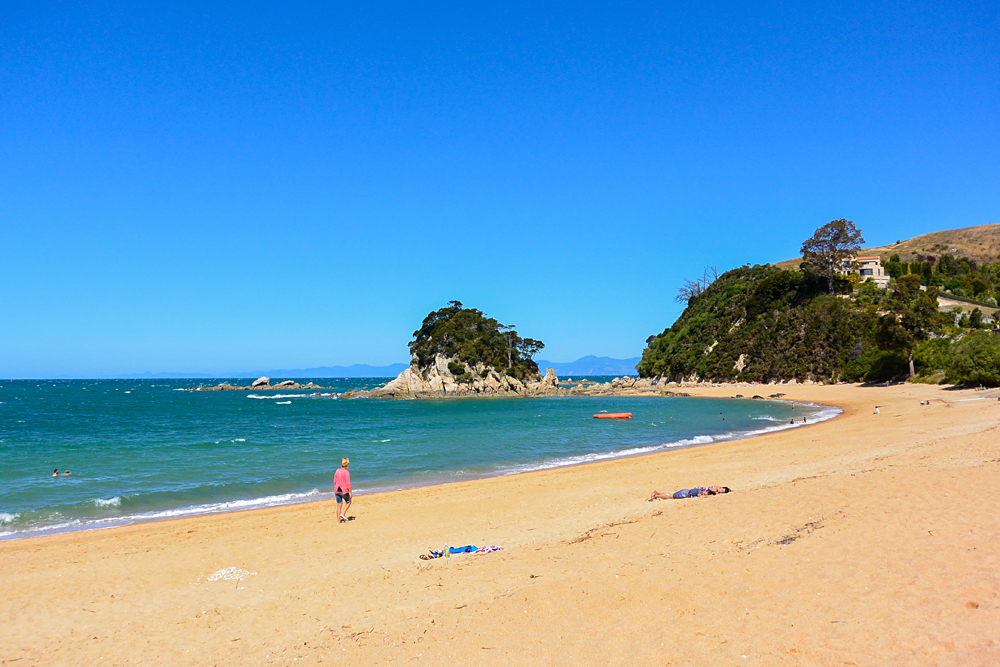 Beautiful Kaiteriteri Beach, Gateway to Abel Tasman National Park, South Island, New Zealand