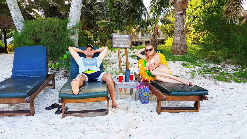Alejandro - Alejandro and Kasia Relaxing on Muri Beach, Rarotonga, Cook Islands