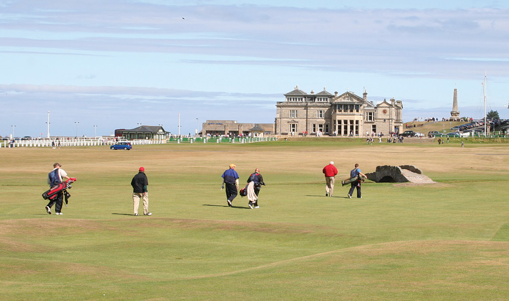 St Andrews Golf Course Golfers, Scotland, UK (United Kingdom)
