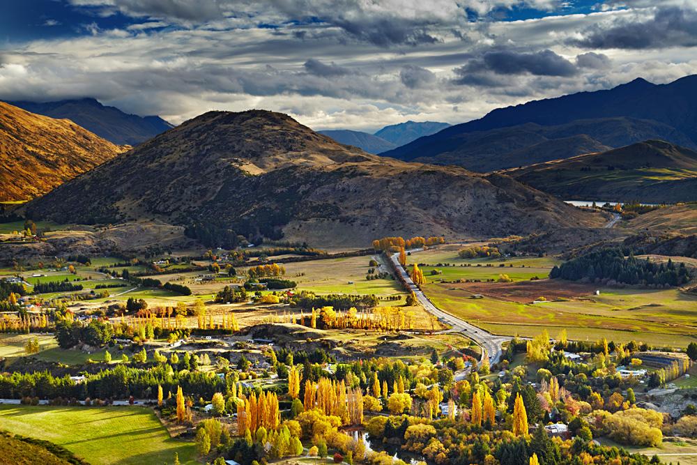 Mountain landscape in Autumn, near Queenstown, New Zealand