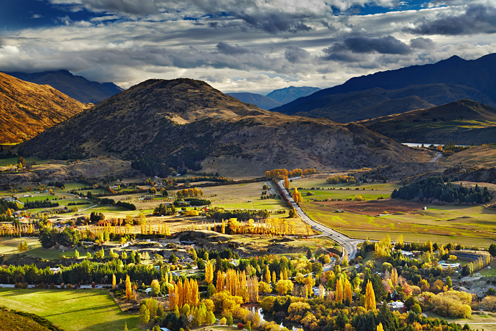 Mountain landscape in Autumn, near Queenstown, New Zealand