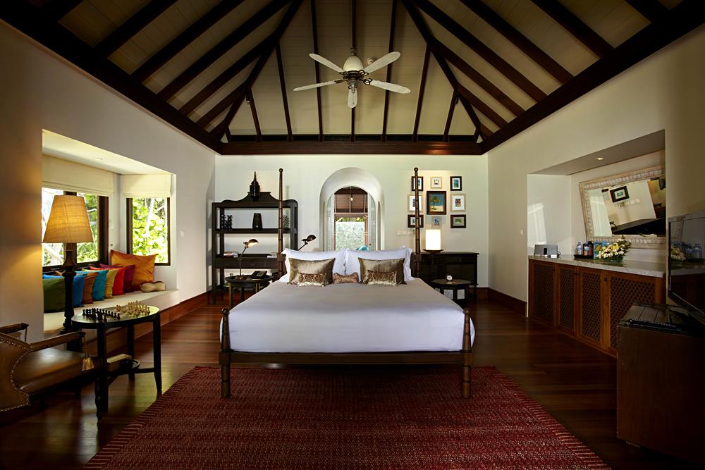 Anantara Kihavah Maldives Villas - Master Bedroom of Beach Pool Residence