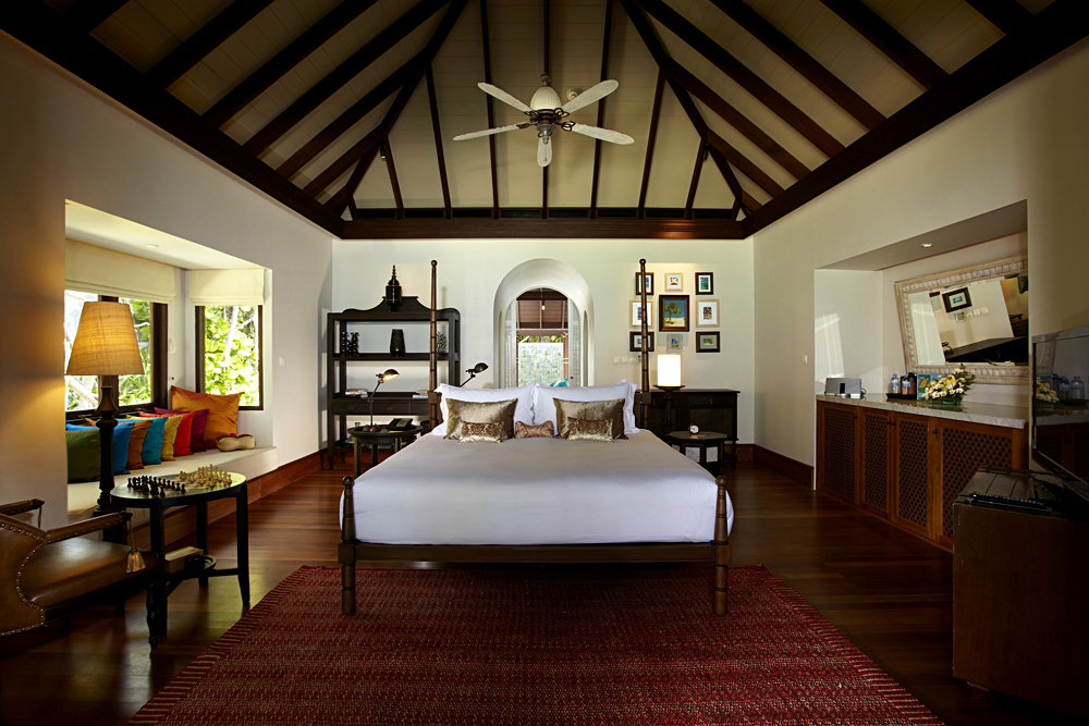 Anantara Kihavah Maldives Villas - Master Bedroom of Beach Pool Residence
