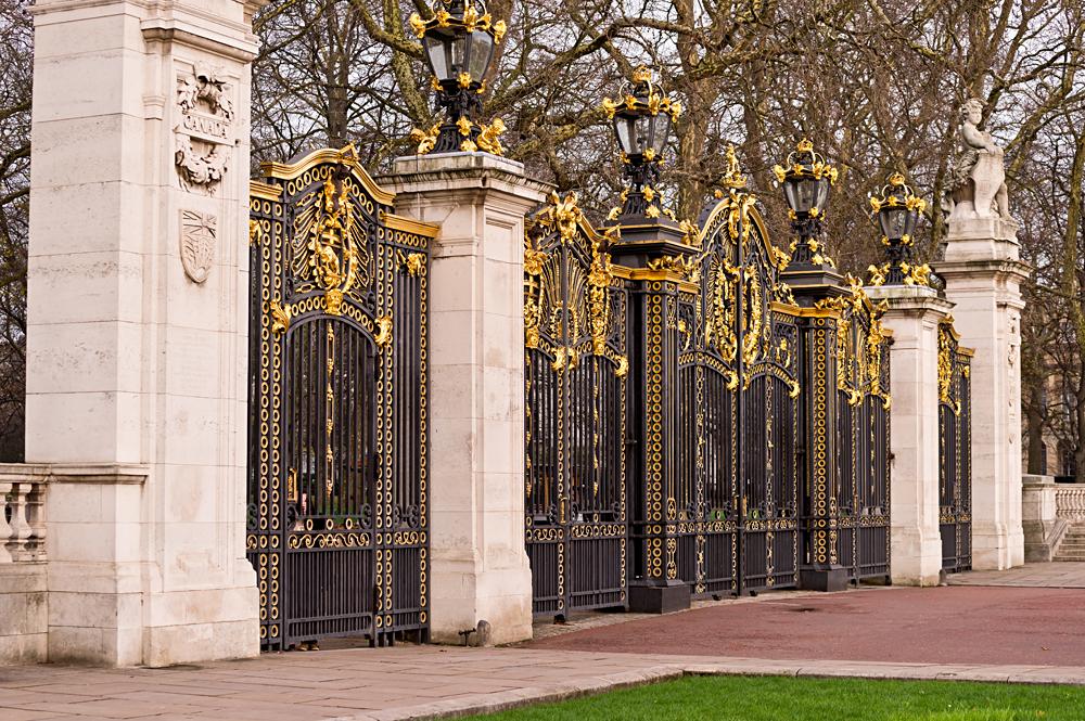 Canada Gate at Buckingham Palace in the Green Park, London, England, UK (United Kingdom)