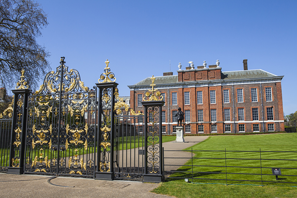 Kensington Palace with Statue of King William III, London, England, UK (United Kingdom)
