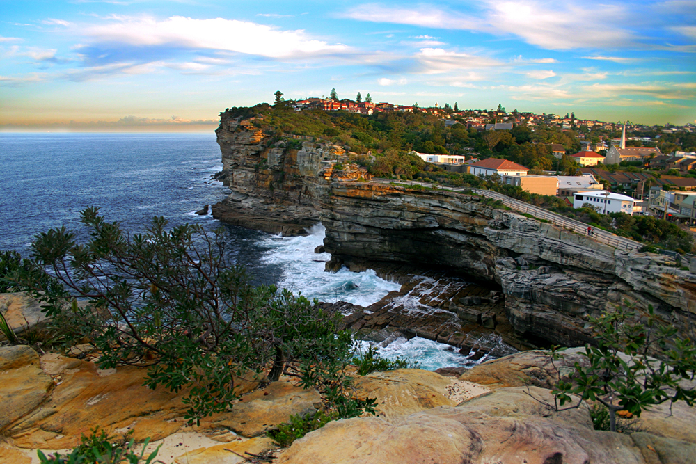 The Gap, a spectacular ocean cliff at Watsons Bay, near South Head, Sydney, New South Wales, Australia
