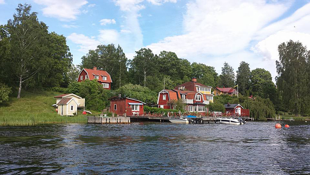 Christian Baines - Cosy Retreats in the Stockholm Archipelago, Sweden