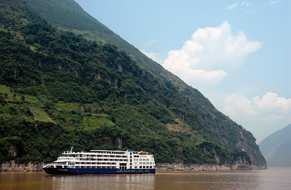 The Sanctuary Yangzi Explorer Exterior, Yangtze River, China