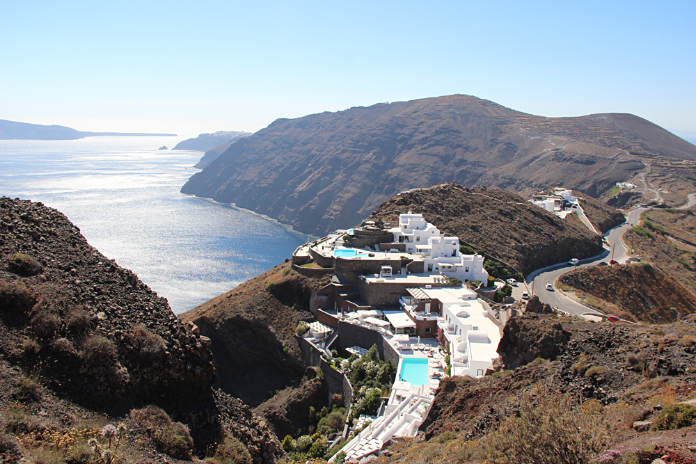 Bronwyn Hodge - Scenic Walk from Fira to Oia in Santorini, Greece