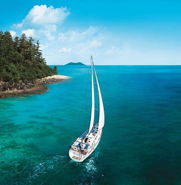 Sailing in Whitsunday Islands, Queensland, Australia