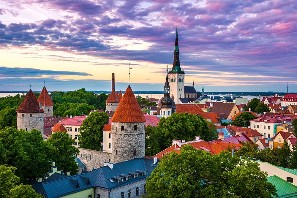 Cityscape of Old Town of Tallinn at dusk, Estonia_466025900