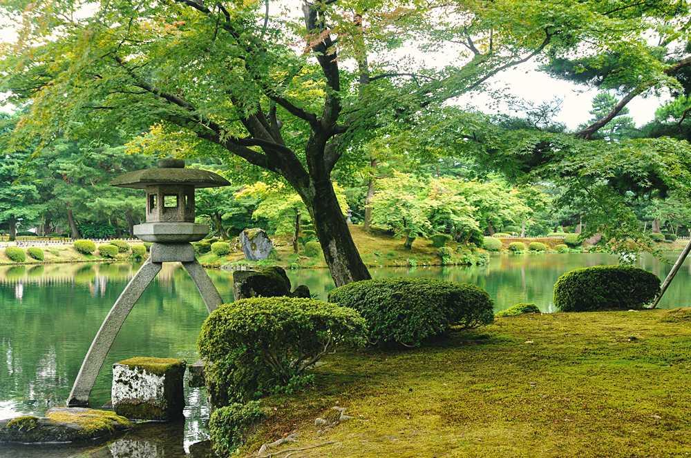 Kenrokuen Garden in Kanazawa City, Japan