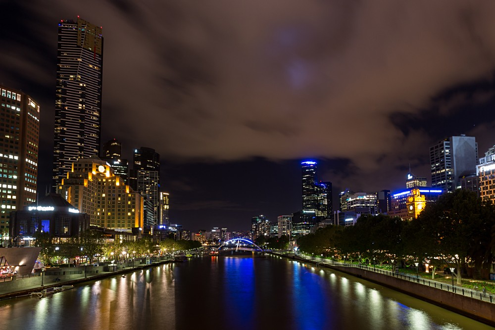 Yarra River and South Bank nightlife in Melbourne, Australia.